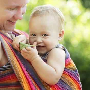 Niños aprenden a utilizar sus manos a los 3 meses de vida