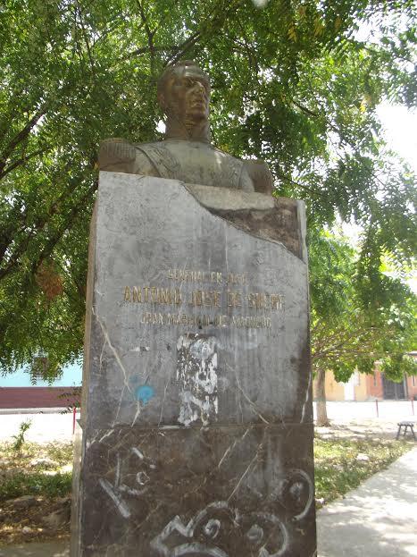 Monumento maltratado