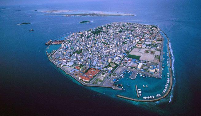 Las Maldivas están inundando debido al calentamiento global y la acción humana.