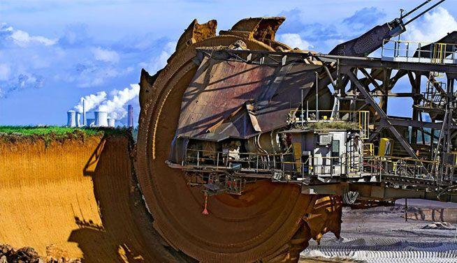 Mayor excavadora del mundo, Bagger 288, utilizado para extraer carbón en Hambach Tagebau mina a cielo abierto (Alemania)
