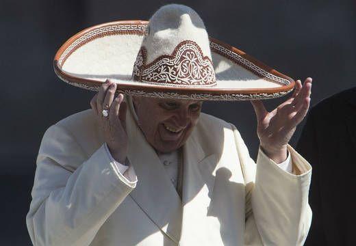 Francisco conmueve a México