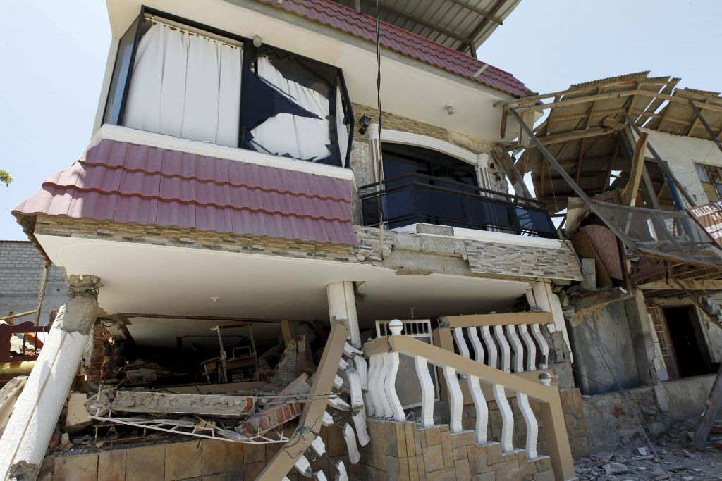 Damage is pictured after an earthquake struck off Ecuador's Pacific coast in Manta April 17, 2016. REUTERS/Guillermo Granja