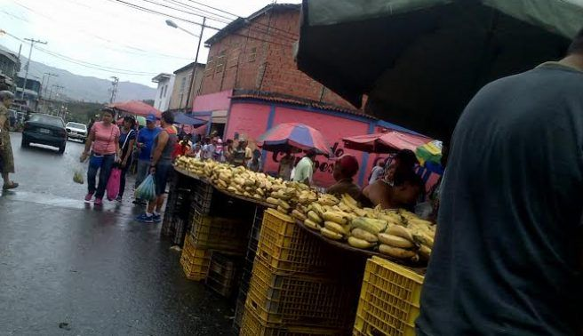Prefieren comprar alimentos en la calle