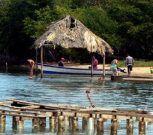 Relajación y esparcimiento en playa Maigualida