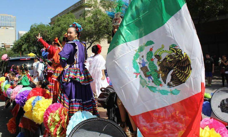 Por qu los estadounidenses usan sombreros mexicanos los Chimentos dela farandula mexicana