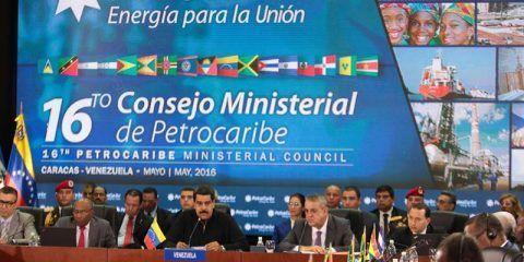 Maduro propone diversificar Petrocaribe