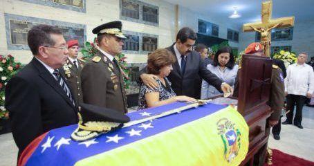 Maduro otorgó orden Libertadores post mortem al mayor general Félix Velásquez