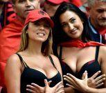Fanáticas de Albania llaman más la atención que su equipo en la Eurocopa