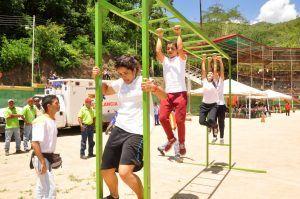 Yincanas dedicadas a medir la agilidad fisica de cada joven.