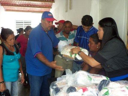 médicos, enfermedas y todo el personal recibió su Bomba por gracias al Alcalde Alcides Martínez
