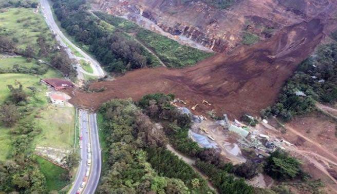 Derrumbe en Colombia deja 6 muertos