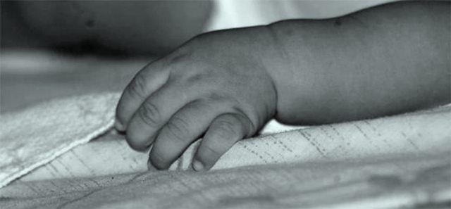 Masaje para aliviar el estreñimiento en bebés (Video)