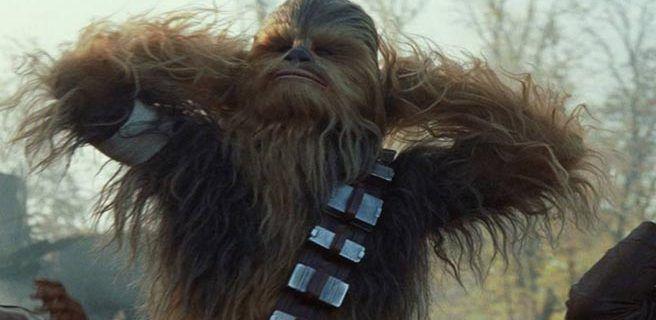 La violenta escena de Chewbacca que Disney eliminó de Star Wars VII