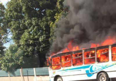 Estudiantes protestan en La Victoria