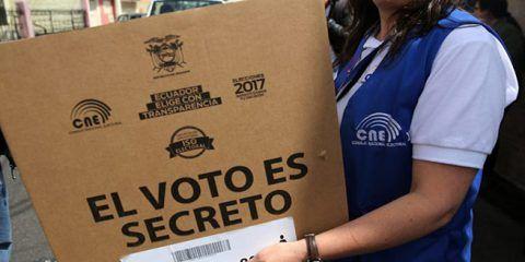 Ecuador va al balotaje