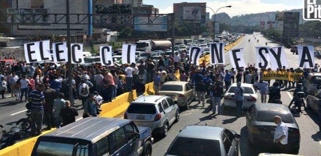 """Diputados realizan protesta """"sorpresa"""" para pedir elecciones"""