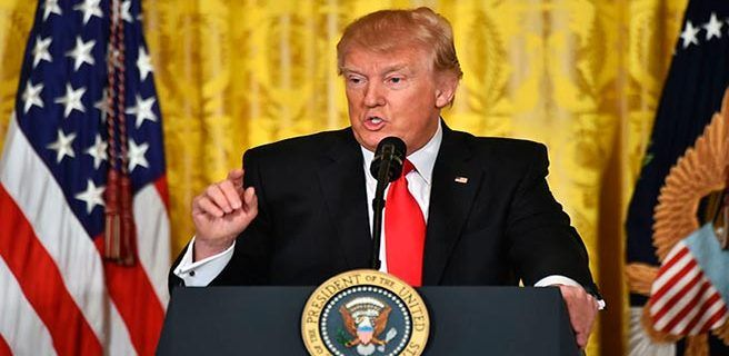 Trump promete un nuevo decreto sobre migración la próxima semana