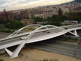 Puente de bac de roda imagen de la modernidad de sant for Gimnasio bac de roda