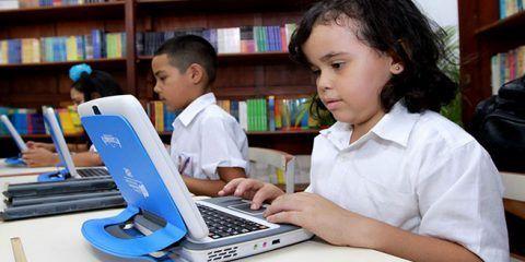 Escuelas públicas tendrán acceso gratuito a internet