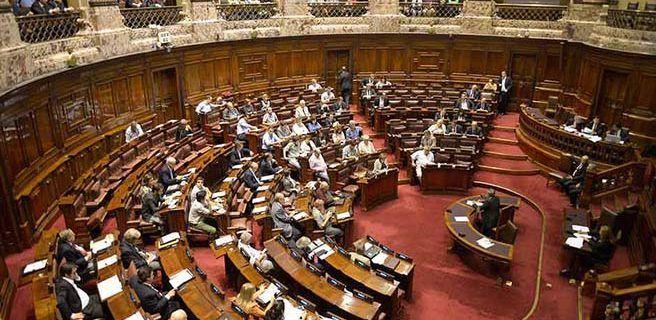 Gobierno uruguayo responderá a Parlamento por negar residencias a venezolanos