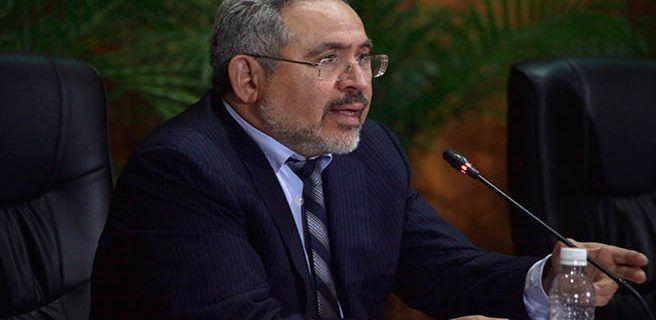 Ministro Martínez revisa acuerdos energéticos con Aruba