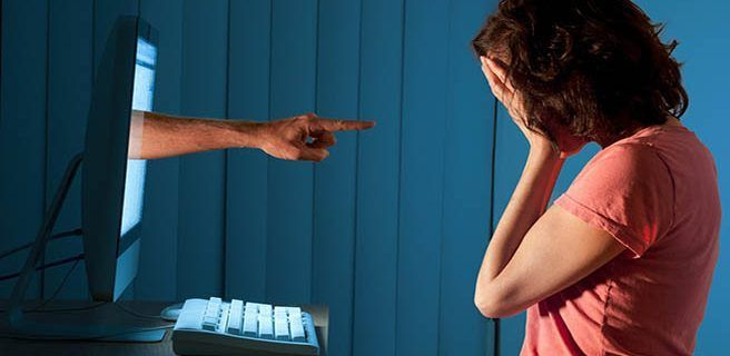 ONU pide a gobiernos actuar contra la violencia de género en Internet