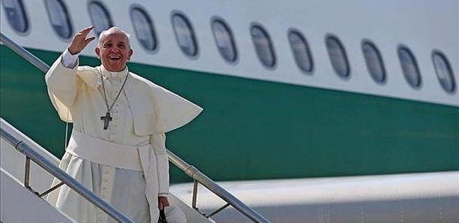 Papa viajará a Egipto en abril