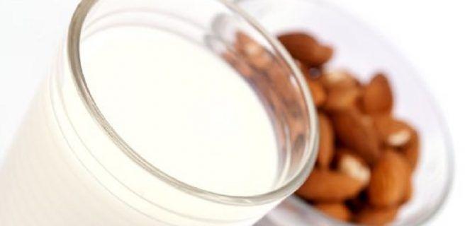 Ocho beneficios de la leche de almendras