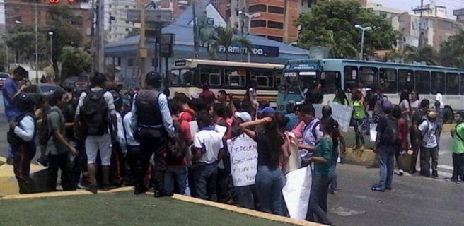 Estudiantes de la UPEL  ingresaron heridos al Hospital Central de Maracay