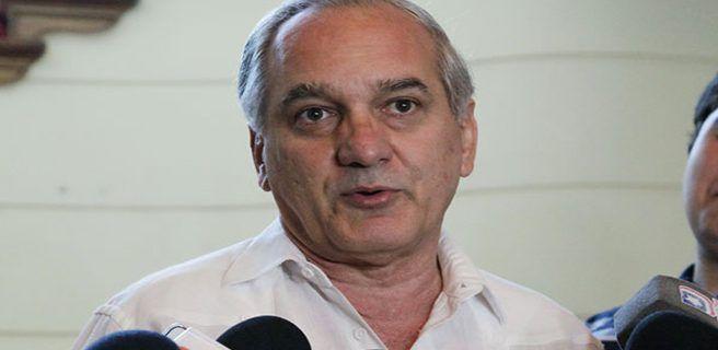 """Embajador venezolano asegura que la oposición usa """"armamento de guerra"""" en protestas"""