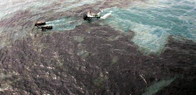 Saneadas en 80% costas del Golfo de Paria afectadas por derrame de petróleo