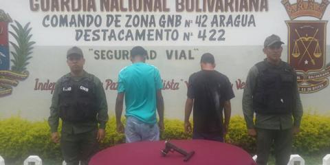 GNB atrapa a dos roba camionetas