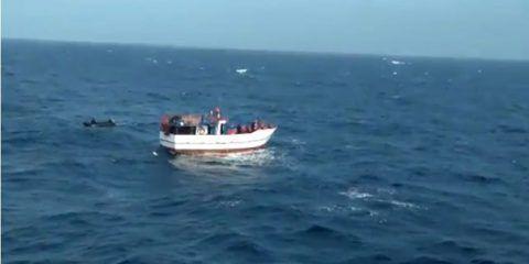 Armada colombiana rescata a 8 venezolanos que quedaron a la deriva en el Caribe