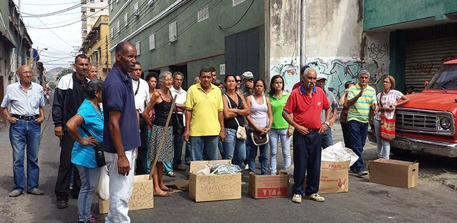 Tranca en la Páez por escasez de gas