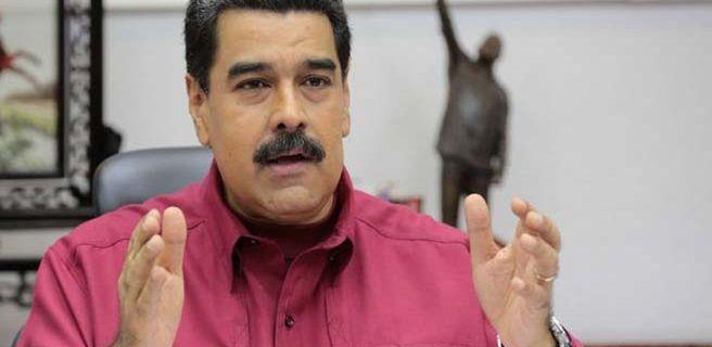 Maduro da otro aumento salarial