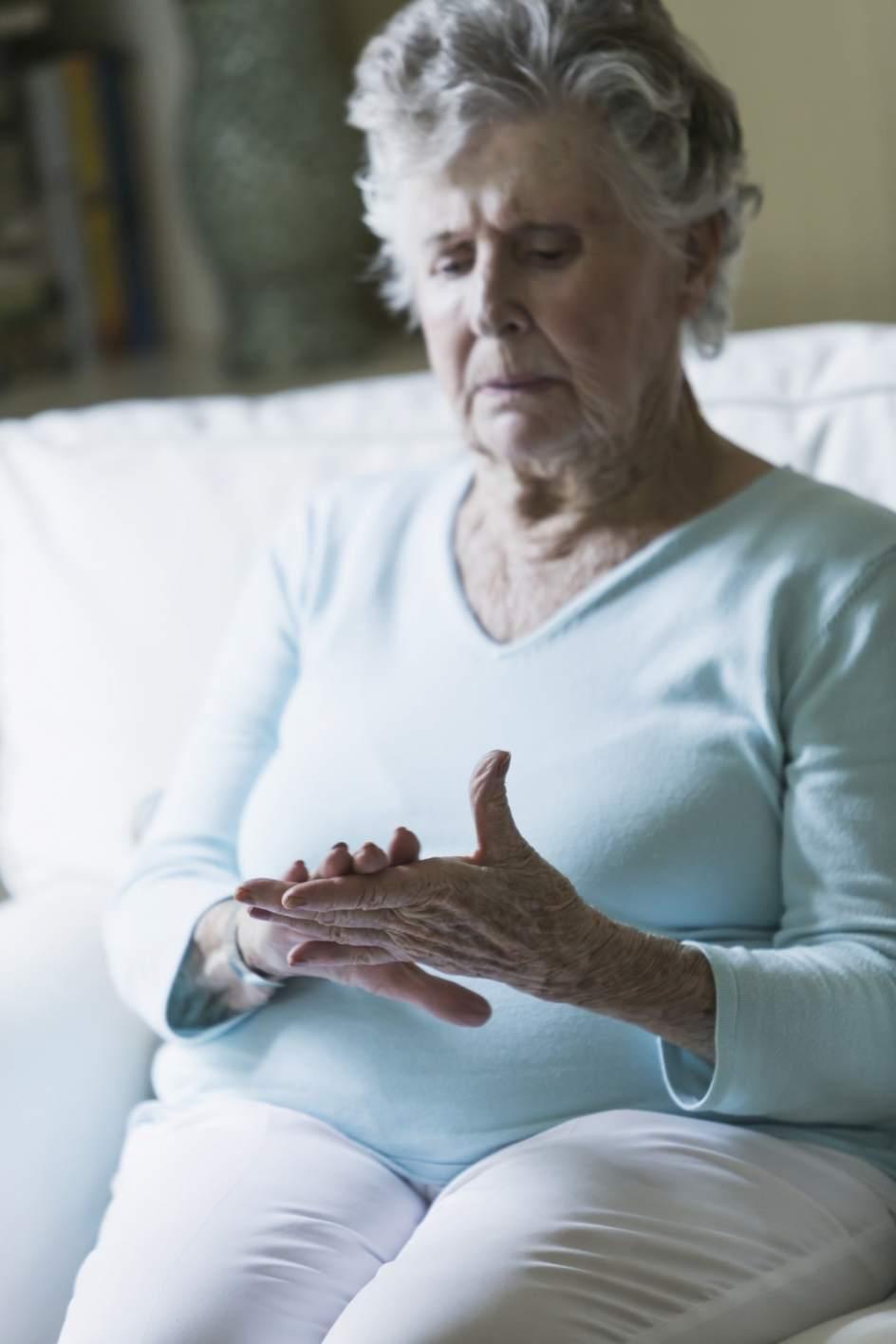 La artrosis afecta a personas mayores y jovenes