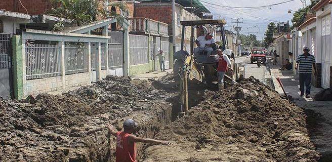 Sustituyen 120 metros lineales de tuberías en comunidad 13 de Junio
