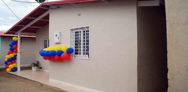Entregan en Mariño 85 nuevas viviendas