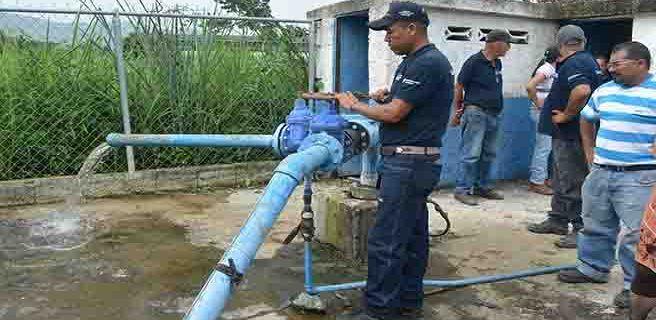 Supervisan trabajo para reactivación de pozo en Guacamaya