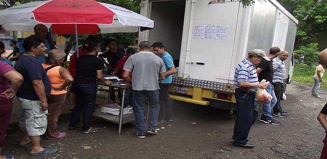Sedecoex y empresa privada vendieron alimentos a un precio accesible