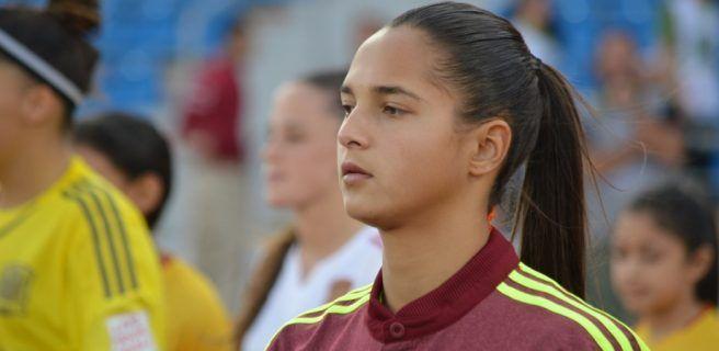 Deyna Castellanos es elegida jugadora del año