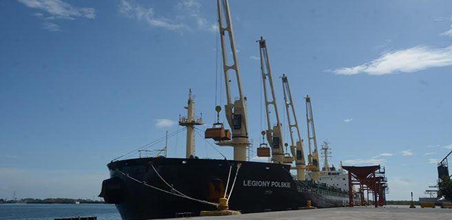 Dos embarcaciones con trigo panadero arribaron a Puerto Cabello