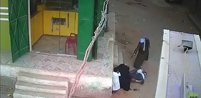 Un egipcio mata de 12 disparos a su hijo cuando protegía a su madre