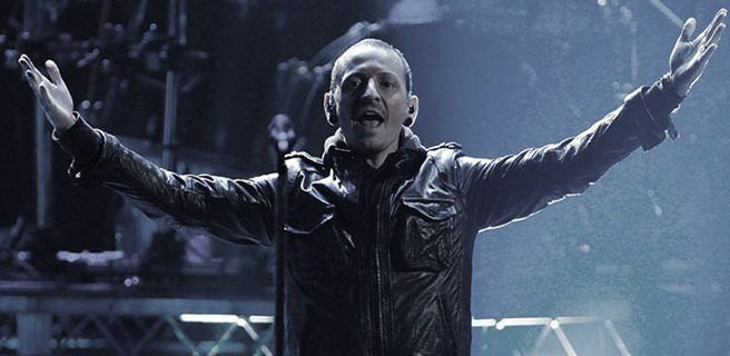 """""""Me estremezco al recordar los abusos que sufrí"""": ¿por qué se suicidó el vocalista de Linkin Park?"""