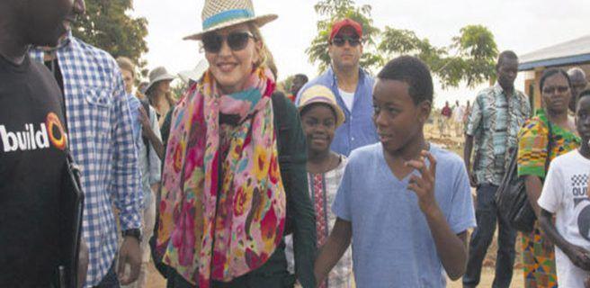 Madonna inaugura un hospital infantil en Malaui