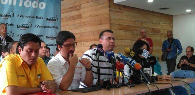 Oposición espera que 14 millones de venezolanos voten en plebiscito