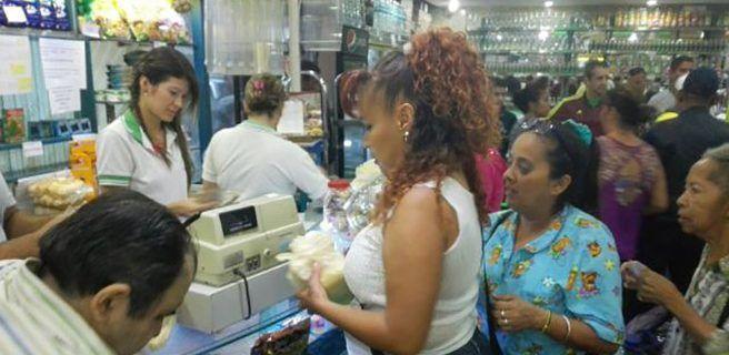 Sundde verificó producción y distribución de pan en Caracas