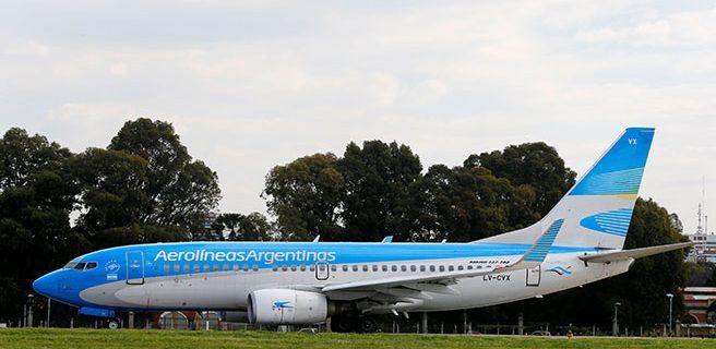 """Aerolíneas Argentinas no está vendiendo pasajes a Venezuela por """"contexto"""" político"""