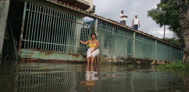 Lago de Valencia amenaza a La Punta y Mata Redonda