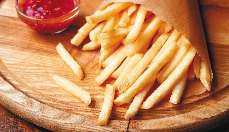 Las papas fritas podrían tener incidencias en enfermedades contra el corazón y colestrol si se consumen a menudo